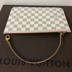 Brand New 💯 authentic neverfull mm pouchette